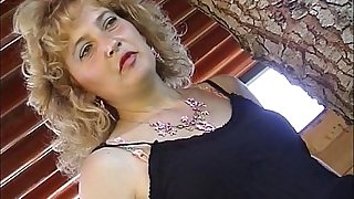 Hot italian aurous milf screwed unchanging wide of gym motor coach