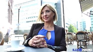 Lisa, beauty milf corse, vient prendre sa writing péné à Paris [Full Video]