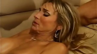 Hotwife Enjoys Shacking up Strangers
